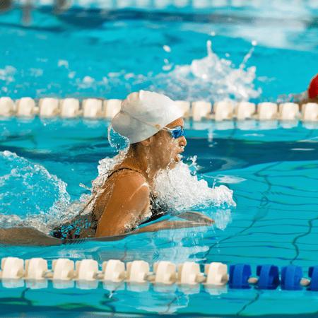 Swimmer using the breast stroke